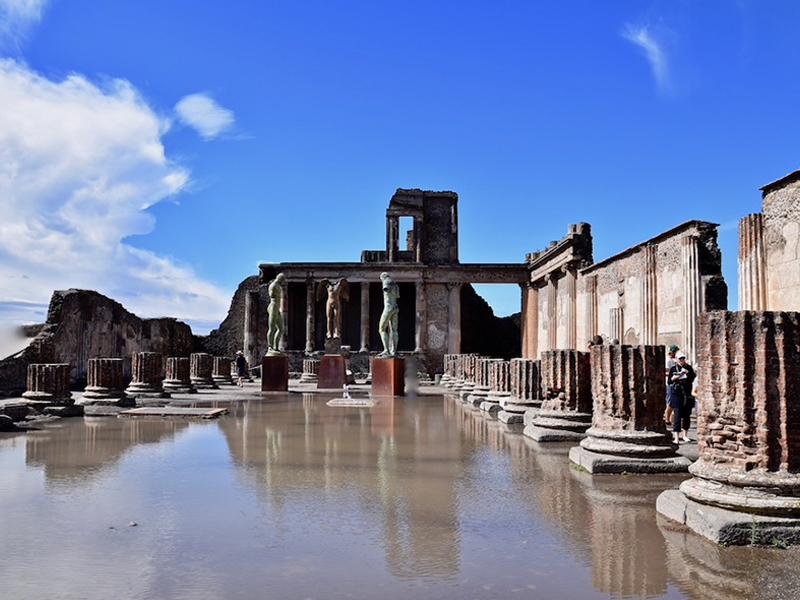 Photo of Pompeii. Visit this wonderful place with our organized Pompeii tour. Scheduled departure from Rome