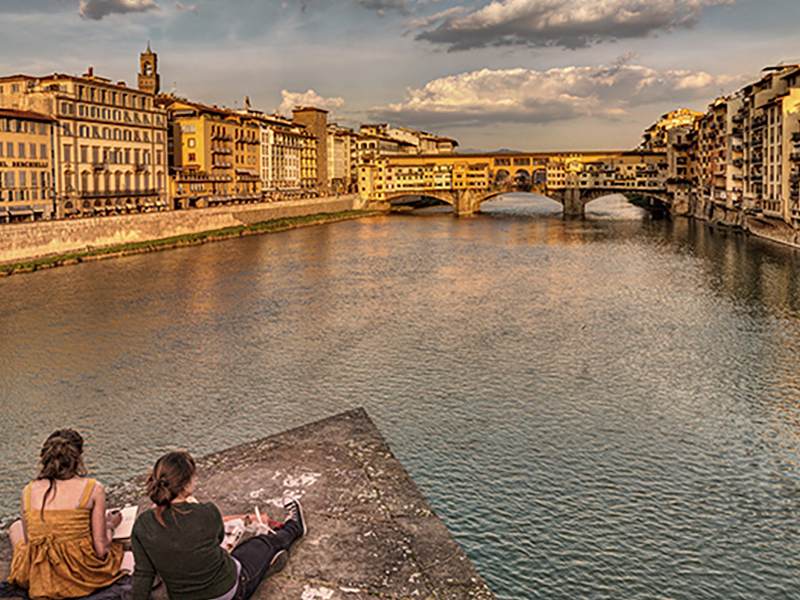 Great photograph on the banks of Arno in Florence. Visit this wonderful city with our Florence day tour