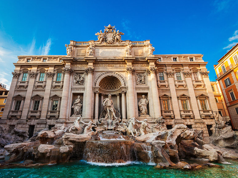 Trevi Fountain in the Center of Rome - Vatican City Tours