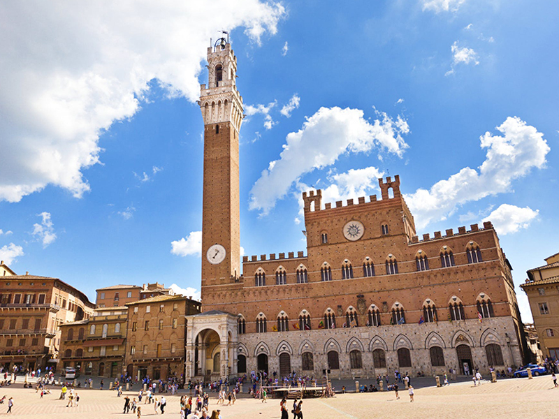 Piazza del campo, tour and transfer from Rome to Siena