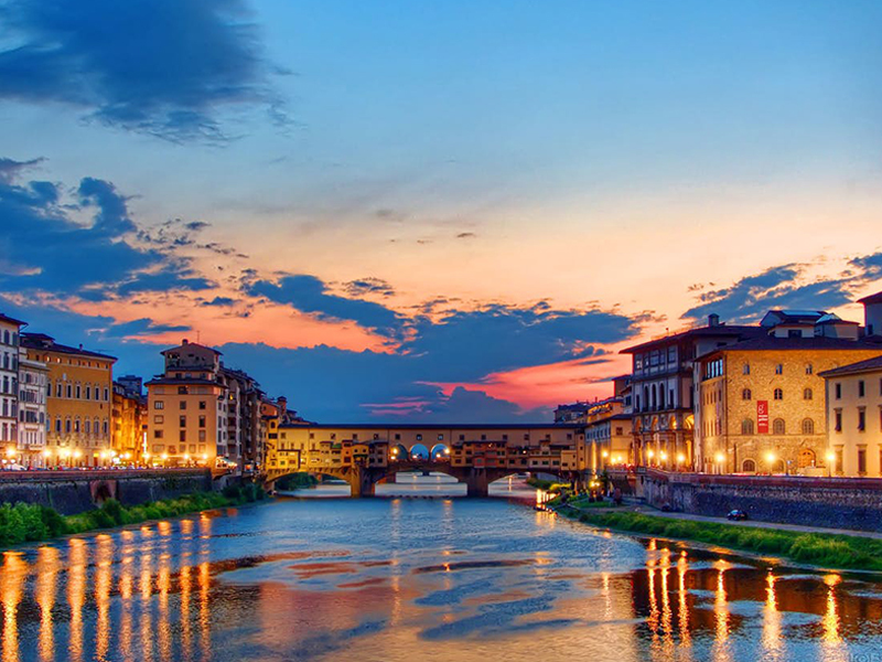 Sunset in Ponte Vecchio, Florence - Florence Day Tours
